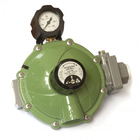 RECA External 2nd Stage Low Pressure Regulator, 8-35kg (w/ Manometer)
